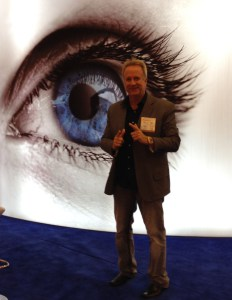 Dr Michael Lange at conference promoting natural approaches for good ocular health